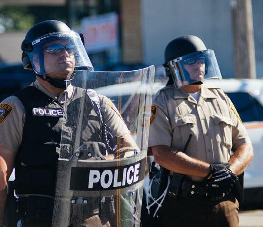 Police Portland Extremists